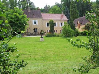 NEW*** ROMANTIC 3BEDS/3BATHS MANOR HOUSE & YDILLIC GARDEN IN SARLAT
