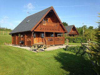 Riverside Lodge at Whistley Farm Holiday Accommodation & Fishing Lakes