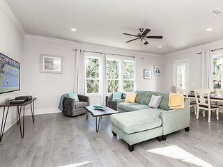 Lovely 2-Story Home w/ Porches, Access to Pool & Dock - Walk to Beach &  Park