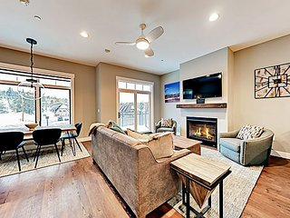 Luxury Brand-New Downtown Condo – Walk to Dining & River, Minutes to Slopes