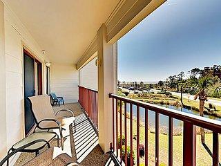Amenity-Rich Beach Condo w/ Pools, Tennis Courts & Ocean-View Balcony