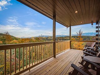 A Starr View: Luxe Mountain-View Cabin w/ Hot Tub, Game Room & Home Theater