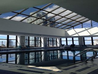 LUXURY STUDIO-WEST 56 ST-POOL/GYM/CLUB