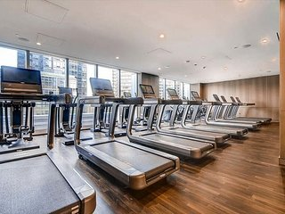 LUXURY DELUXE 1BR IN HELL'S KITCHEN-GYM