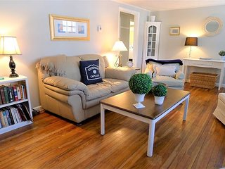 NEW PET-FRIENDLY CLOSE TO SWIMMING POND AND BIKE TRAIL - LOWER LEVEL IN LAW!