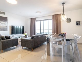 Exceptional 3 Bedroom/Parking in best area of town