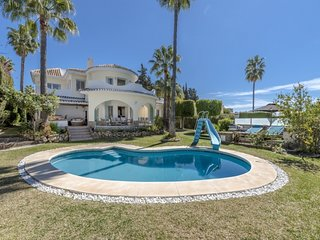 4 bedroom Villa with Pool, Air Con and WiFi - 5001660