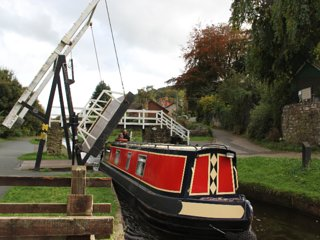 Columbina - Narrowboat - Sleeps 6