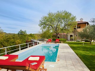 Country Villa Simply Relax with Pool