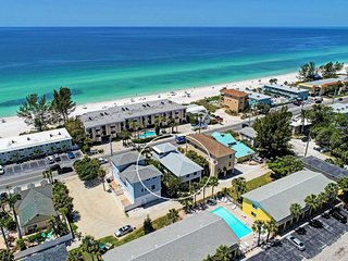 Beach & Sun Villas - Beach Side