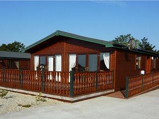 CAB20 Luxury Cabin on Mulroy Bay in Donegal - Sleeps 8