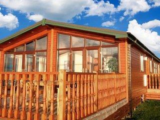 Luxury Cabin on Mulroy Bay, Sleeps 10