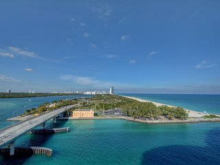 One Bal Harbour located at 10295 Collins Ave. Studio - Sleeps 4
