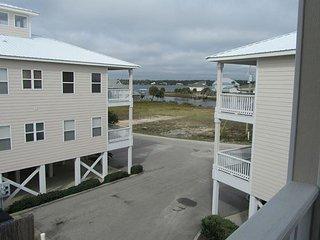Top Floor Unit! Lagoon Views! 3 Bedrooms! BOOK NOW for Vacay!!!