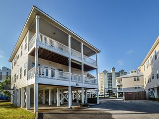 Spacious Unit~Family Friendly Complex~BOOK NOW for Vacay!!!