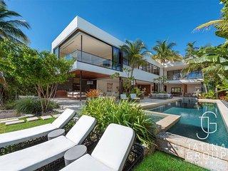 Beautiful 6BR Villa in Miami Beach/Masterpiece! Must seen!