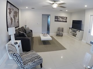 Modern 3/2 Ft. Lauderdale Home by Las Olas / Beach