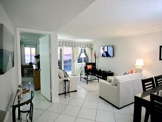 Beautifully remodeled Beachfront Condo, spectacular views (320)