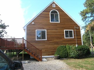 Two Bedroom House with large deck - C402 Willow
