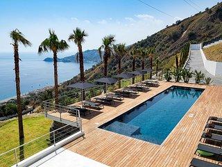 Luxury villa Aragona