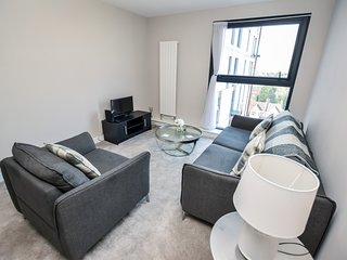 Modern and contemporary 1 Bedroom 7th floor apartment with free parking