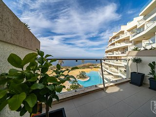 Hal-Saghtrija - Modern Accommodation with Stunning Sea Views & Communal Pool