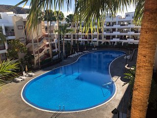 2 bathroom/2 bedroom apartment near swimming pools/private garden/big terraces