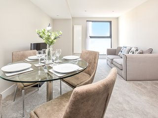 Modern and contemporary 2 Bedroom 7th floor apartment with free parking