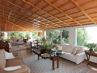 4 bedroom Villa with Pool, WiFi and Walk to Beach & Shops - 5782771