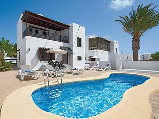 2 bedroom Villa with Pool, Air Con and WiFi - 5705132