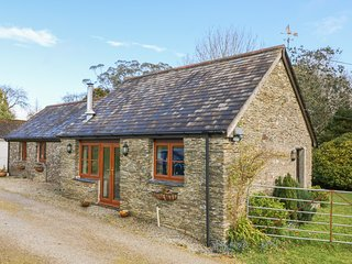 HOOK COTTAGE, Exposed beams, Open-plan living, Looe