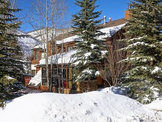 Gorgeous Home with Spendid Valley Views, Newly Remodeled (208807)