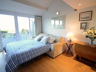 Steepfield Studio - Charming Studio sleeps 4, Bantham, Estuary Views Nr Salcombe