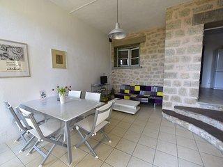 Meublé de tourisme 3* 'Romarin'dans villa provençale