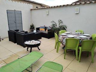 La maison du Capitaine,  grande terrasse ensoleillee, au coeur de Marseillan