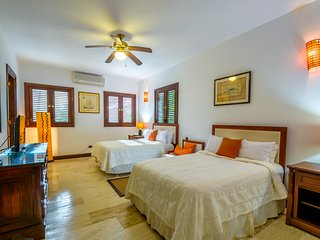 Villa Caribena, playa y golf