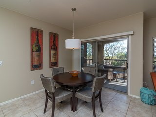 Beautiful Mountain Views, Scottsdale.  NEWLY REDECORATED!