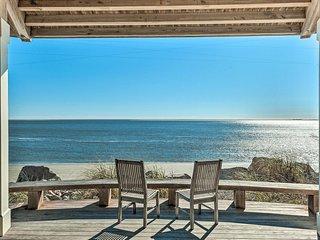 NEW! Upscale Seabrook Island Condo w/ Pool & Beach