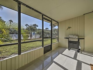 NEW! Ormond Beach Townhome w/ Grill & Shared Pool!
