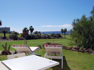 Amarilla Golf Villas - Open plan 1 bed-sunny terrace-lovely views