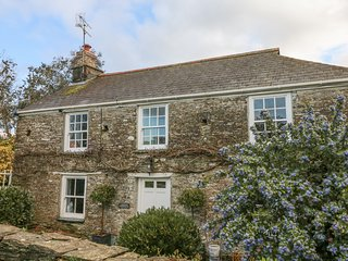 CARDWEN FARMHOUSE, WiFi, 4 bedrooms, Looe