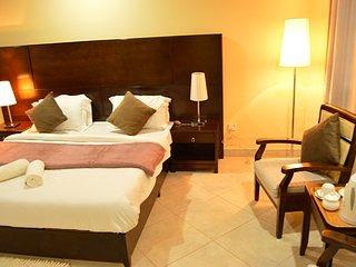 Great Lake Lodge Luxury Suite Room  3, location de vacances à Northern Province