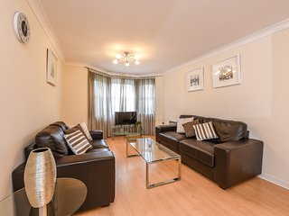 Modern Apartment  - Guildford Town Centre