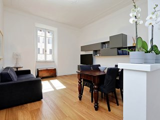 Spacious one bedroom flat in the charming Delle Vittorie area