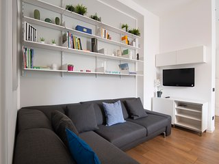 Elegant, recently renovated 2 bedroom apartment in Milan (Porta Romana)