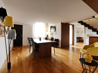 Classy and artistic two bedroom apartment in the Bologna city centre
