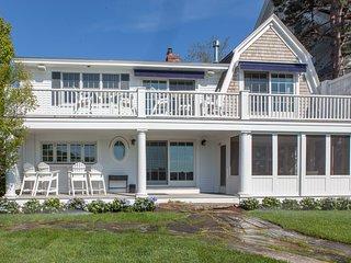 Luxury 5 Bedroom 4 Bath Beachfront Home