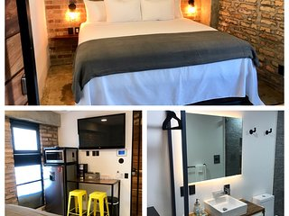 Lofts On Basilio : One Bedroom in a BRAND NEW HOTEL in the Romantic Zone 101