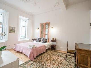Portas Apartment with Patio