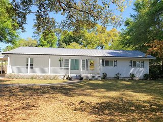 Private Cottage-Gulf Shores Escape On the River-Check Me Out!!